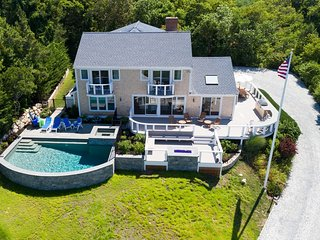 Private Orleans resort w/water views, heated pool/spa; sleeps 16 (linens) 009-O