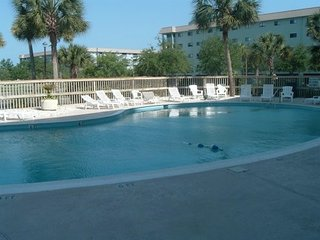 1304 Ocean View Condo - Beach, 3 Pools, Hot Tub, Sauna, Tennis, Restaurants, etc