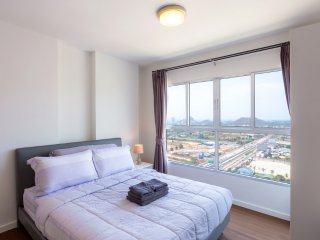 Baan KiangFah Seaview Condominium-25F Studio Apartment