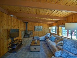New! Quaint 4BR Idyllwild Cabin w/Private Hot Tub!