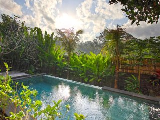 Elegant Three Bedroom Villa Near Tanah Lot