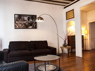 SPACIOUS 70M2 FLAT IN THE HEART OF SAINT GERMAIN, CENTRAL PARIS