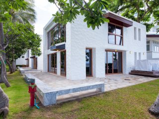 Beachfront Villa -Three Bedrooms Apartment at Baan LonSai Beachfront Condominium