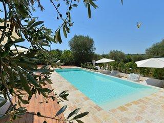 Masseria Oreglia con piscina - I tre camini