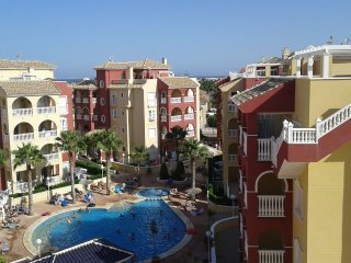 EM2 Luxury 3 bedroom 2 bathroom apartment with Huge Private  Solarium