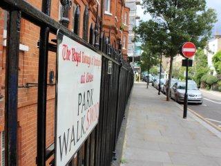 Spacious Kensington luxury apartment