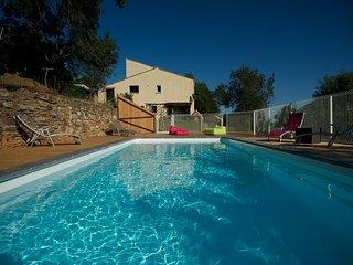 Deux gites confortables 11 personnes piscine securisee
