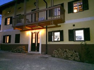 7 Bedroom - 200 Year Stone Built House - Tolmin
