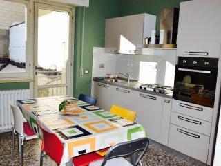 Tuscan holiday apartment rental in Viareggio with private balcony
