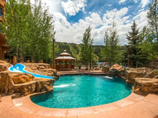 Premium penthouse in all of Keystone, 4 BR, 4 BA, vaulted ceilings, great pool