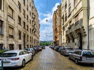 Riverside, Quiet, Fantastic Location, 2 bedrooms - Apartment Rhapsody
