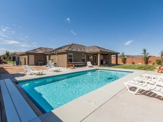 Dune-Our-Thing in Sand Hollow | 3484 | PRIVATE POOL AND FAMILY GAMES!