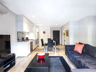 Luxury Short Stay Executive Apartment in Carlton : 104/475 Cardigan Street, Carl