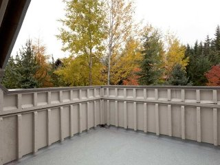 Whistler Stoney Creek Lagoons 3 Bedroom Townhome Centrally Located