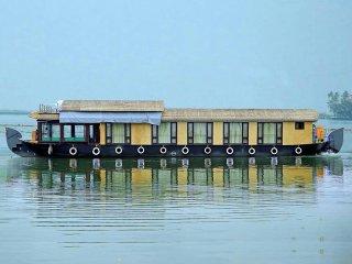 houseboat service