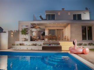 Private Villa With Pool - VILLA DOMINO