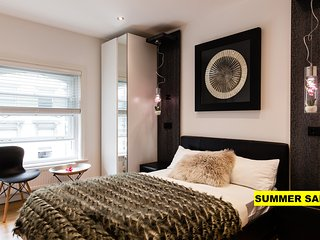 SKYFALL!*BRITISH MUSEUM*2bed2bath*LIFT*DESIGNER SUITE*OPEN VIEW*WEST-END*SAFE*