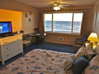 Ride the Wavy Train with oceanfront condo called 'Biscuits & Wavy'