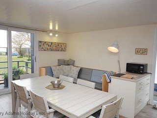 5 Avocet Quay, Emsworth - Stunning coastal retreat.