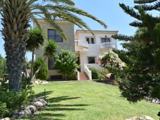 Argaka 5 Bed Villa with Amazing Sea Views - Private Pool - Gym - Pool Table