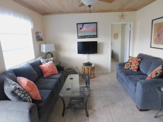 WONDERFUL 2BED/2BATH UNIT STEPS FROM THE BEACH #3