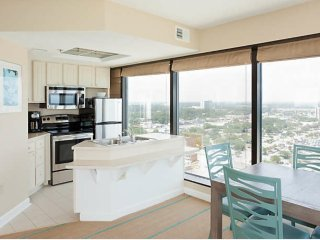 Seaglass Tower - Memorial Day Weekend! Ocean Front Property w/Full Kitchen