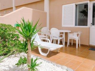 Apartamento de 1 dormitorio con terraza y piscina