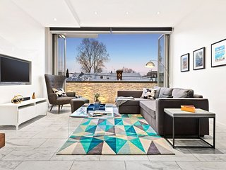 The Aero House Fitzroy - Rooftop with City Views, Pet Friendly, Secure Parking