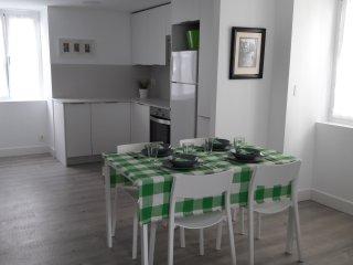 MARTINTXO: Renovado, comodo y luminoso apartamento en el centro!