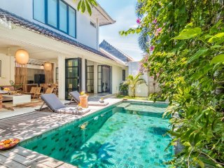 3BR Villa Near Beach in Oberoi Seminyak