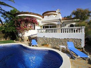 CORAL Villa piscina privada, jardin, Wifi gratis