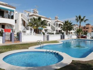 Alejandro - few minutes from the beach and coves of Orihuela Costa
