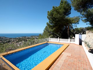 Bellevue - sea view holiday home with private pool in Benissa