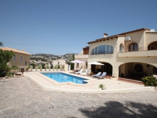 Beaulieu - holiday home with private swimming pool in Moraira