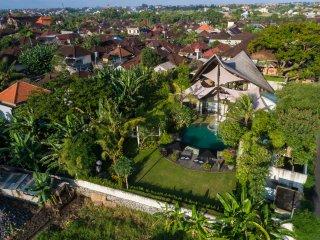 Toraja, Luxury 4 Bedroom Villa, Feature Garden, Canggu
