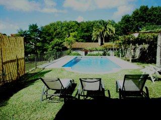 Casona rustica con piscina en las Rias Baixas a 5 minutos de pontevedra
