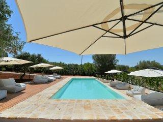 Masseria Oreglia con piscina-La Mangiatoia