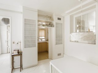 * Luxurious 4 rooms -75sq2 Marais *