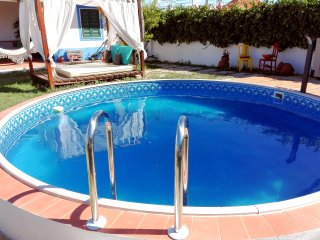 Villa with pool for up to 4 persons near Lisbon, beach, Wi-fi