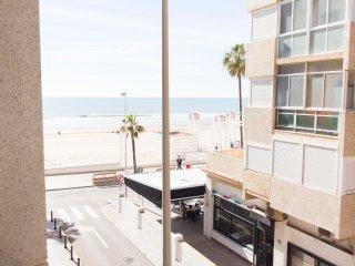 Apartamento a 15 metros de la Playa Victoria, ideal para vacaciones