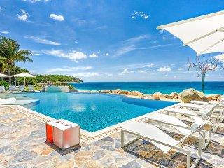 LE REVE...Super Luxurious 6 BR Villa - private beach area & gourmet chef