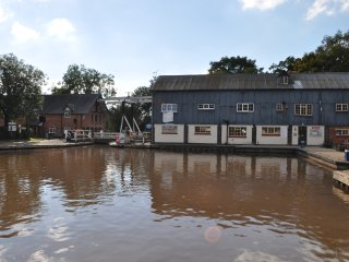 Wrenbury Mill Marina Apartment 2
