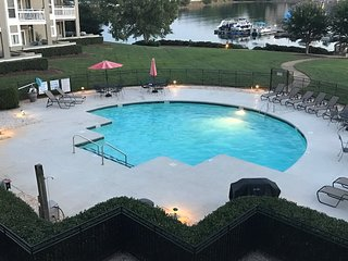 2 beds/2 bathrooms on Lake Norman