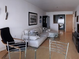 Flat in riverside development close to Canary Wharf and Greenwich