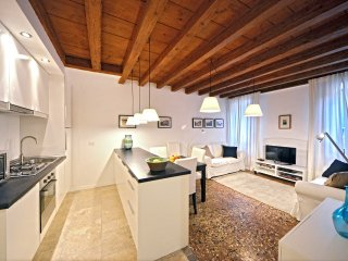 Sarpi 2 - convenient and newly restored in top location