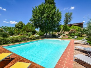 Villa with private pool,airco & Wi-fi, 4km from village 35km from Siena/Arezzo