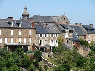 Maison de village du XVIIIe S entierement renovee