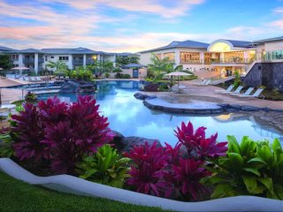 Enjoy luxurious Bali Hai Villas!