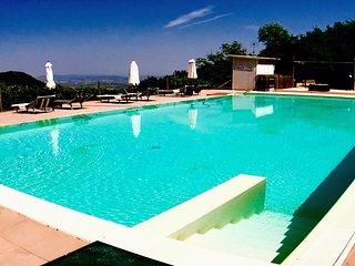 Villa Marianna : APT B, 7 miles to Spoleto centre