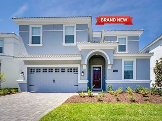 Luxury Must Stay Brand New 9Bed/5Bath Home in ChampionsGate be the First Ones!